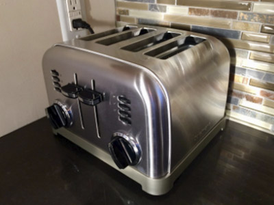 These Toasters Can Easily Handle Large Slices of Bread 1