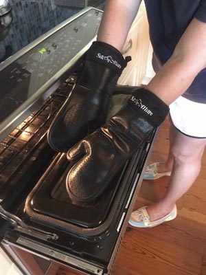 Frux Home and Yard Black Silicone Oven Hot Mitt
