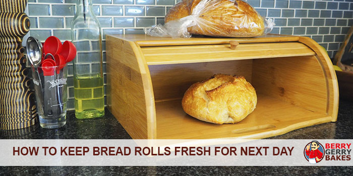 This Simple Trick Will Keep Your Bread Rolls Fresh for the Next Day 1