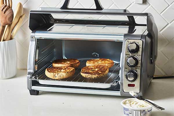 These Countertop Ovens Fit a 9x13 Pan 1
